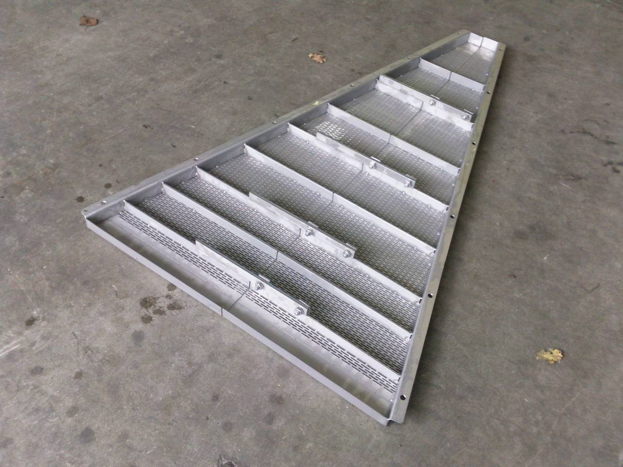 GRILLE DE DECUVAGE INOX DEMONTABLE VOLUMETAL 49 PUY SAINT BONNET